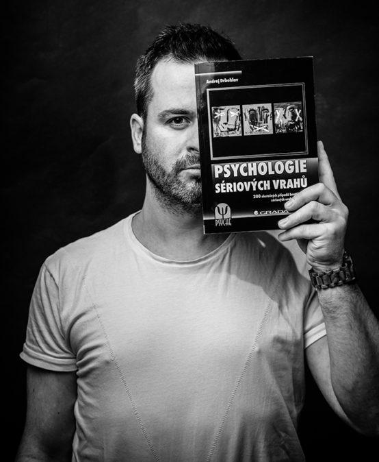 online přednáška Psychologie sériových vrahů